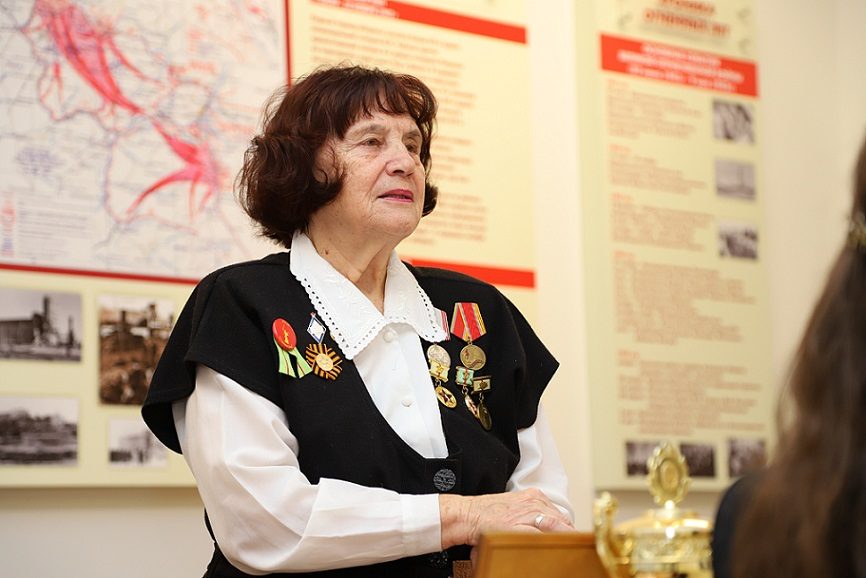 Изабелла Сурова: «В эти дни вся школа стала музеем Сталинградской битвы»