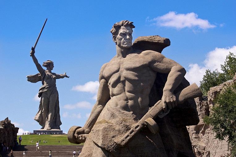 От кромешного ада Сталинграда к мирному созиданию